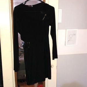 Cute black long sleeve bodycon dress